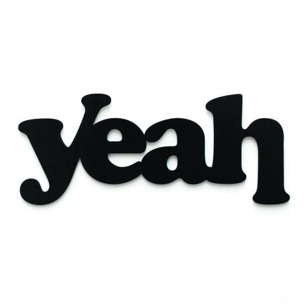 Yeah 3D geschnittene Buchstaben schwarz